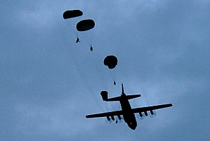Airborne forces of Australia - Soldiers from Reconnaissance Platoon, 3 RAR during exercise Talisman Sabre 2007