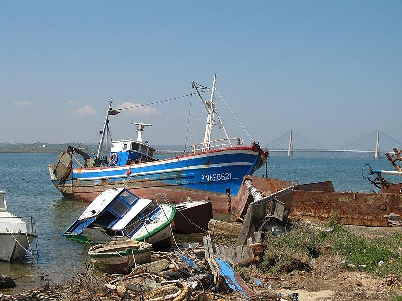 File:Ayamonte boats.jpg