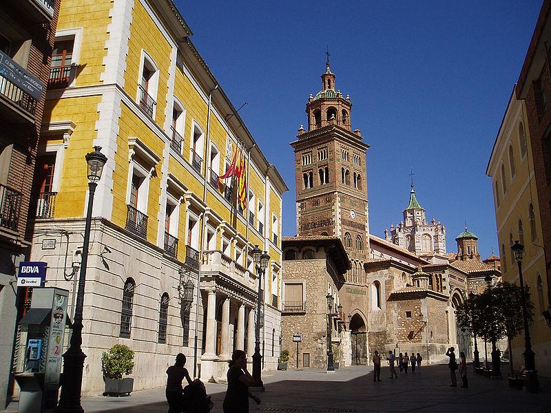 File:Ayuntamiento y Catedral de Teruel.jpg