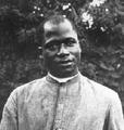 Baba Simon peu après son ordination.png