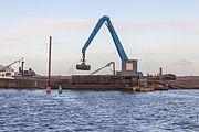 Baggerwerkzaamheden op de Langwarder Wielen vanaf motorbeunschip Christiana 09.jpg