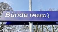 Bahnhofsschild Bünde 180303.jpg