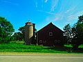Barn and a Silo - panoramio (8).jpg