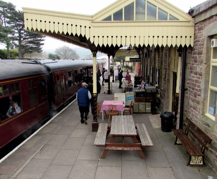 File:Bench and picnic bench on platform 1, Winchcombe railway station-geograph-4583566-by-Jaggery.jpg