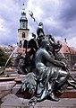 Berlin-Alexanderplatz-04-Brunnen-Marienkirche-1993-gje.jpg
