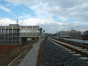 Waßmannsdorf station - View of the two buildings and platforms