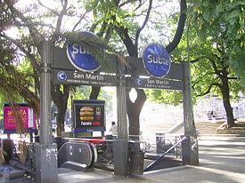 Boca de la estación de subte General San Martín.JPG