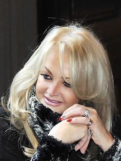 Bonnie Tyler in Moscow, December 2013.jpg
