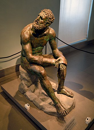 Boxer at Rest - Image: Boxer of Quirinal (Mys from Taranto) Lateral View