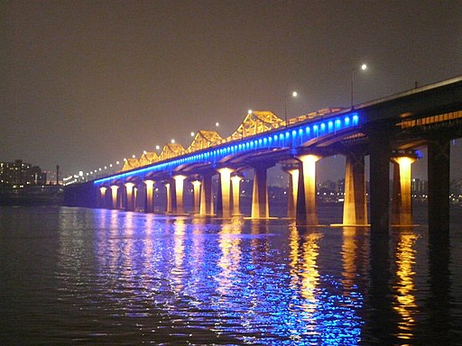 Bridge in Seoul - night time