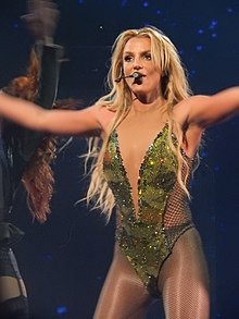 Britney Spears, Roundhouse, London (Apple Music Festival 2016) (30072929931).jpg