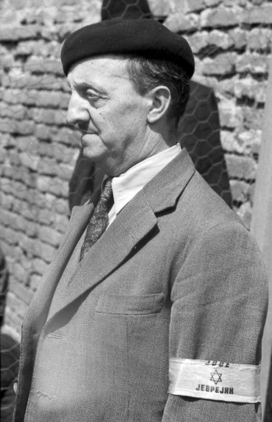 Bundesarchiv Bild 101I-185-0112-35, Belgrad, Erfassung von Juden