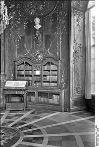 Bundesarchiv Bild 170-830, Potsdam, Schloß Sanssouci, Bibliothek.jpg
