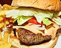 Burger DeLuxe (4414826939).jpg