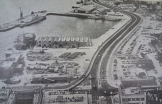 Harcourt Road - Harcourt Road in 1961-1963, Admiralty Dock (Naval Dockyard-Tidal Pool) still exists, but the Boat Pool (above) is already filled with rocks to become a road.