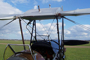 Bracing (aeronautics) - Cabane N-struts and torsion wires on a de Havilland Tiger Moth