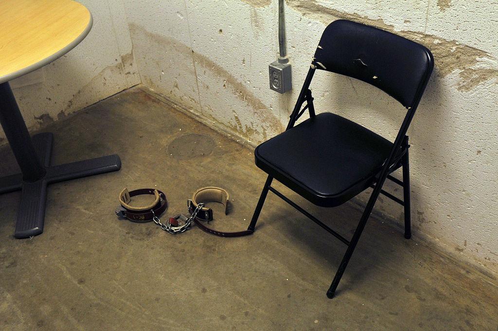 Sala de interrogatorios del Campo VI, en el Centro de detención de Guantánamo.