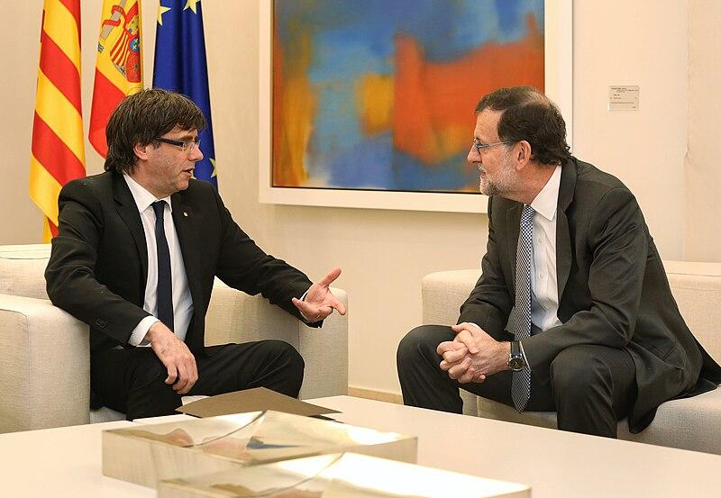 File:Carles Puigdemont i Mariano Rajoy (20-4-2016).jpg