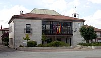 Casa consistorial de Madrigalejo del Monte.jpg