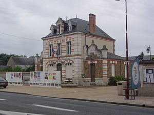 Cercottes - The town hall and school in Cercottes