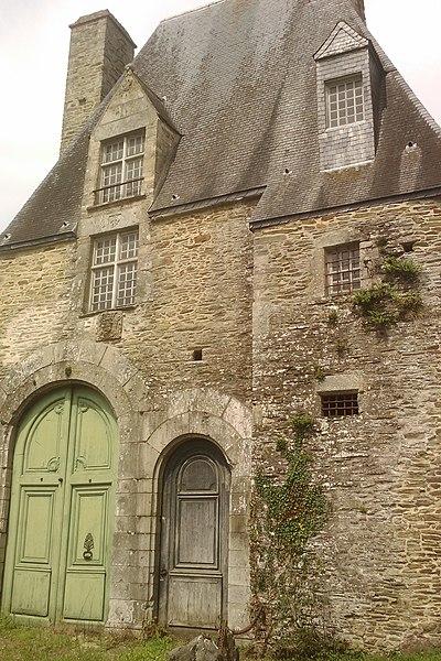 Château Saint-Pierre-de-Semilly