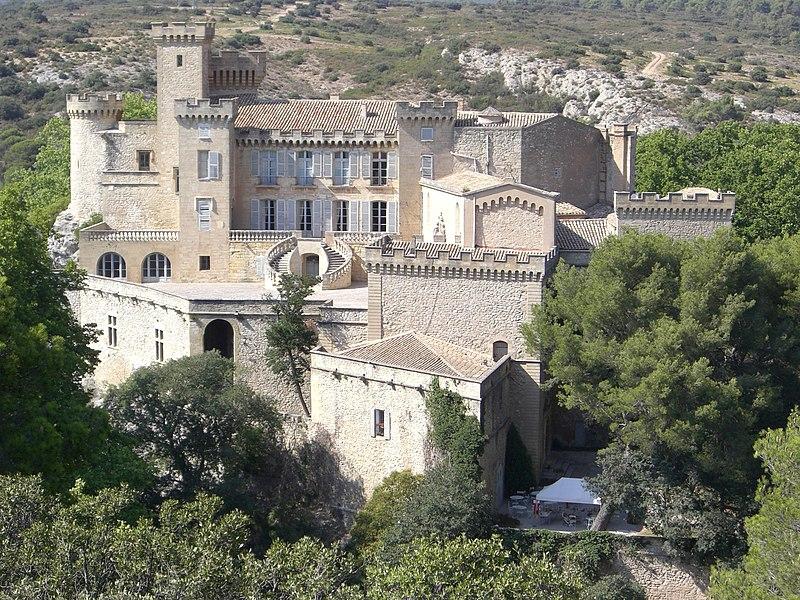 Castle of La Barben (Bouches-du-Rhône, Provence-Alpes-Côte d'Azur, France), seen from the zoo.