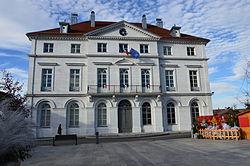 Champagnole mairie 2012 12 Spielvogel.JPG