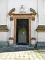 Chiesa della Natività della Beata Vergine Maria, portale (Schiavonia, Este).jpg