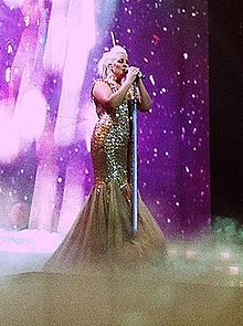 Claire Richards Ultimate Tour Newcastle 2012.jpg