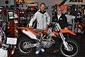 Collin.Dugmore mit Burkhard Sarholz von KTM Sarholz.jpg