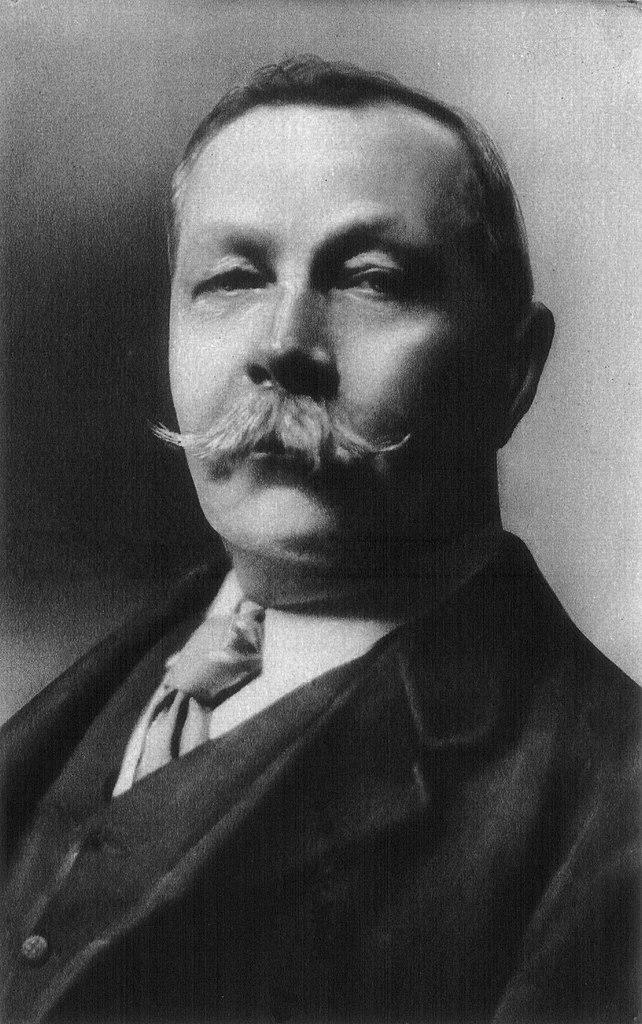 <a href=http://upload.wikimedia.org/wikipedia/commons/thumb/b/bb/Conan_doyle.jpg/200px-Conan_doyle.jpg>Sir Arthur Conan Doyle</a>