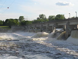 Coon Rapids Dam. Sedan 1913 är Mississippifloden segelbar hit.