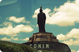 Querétaro City - Statue of Otomi king, Conín de Xilotepeque, (also known as Fernando de Tapia), founder of the city.