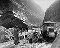 Croisière Jaune. Traversée de la passe de Teksoun dans le Sin Kiang en Chine en 1931.jpg