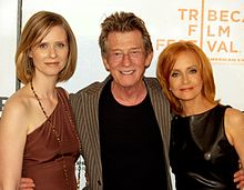 Cynthia Nixon, John Hurt and Kurtz at the premiere of An Englishman in New York.
