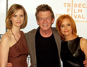 John Hurt - Cynthia Nixon, Hurt and Swoosie Kurtz in 2009