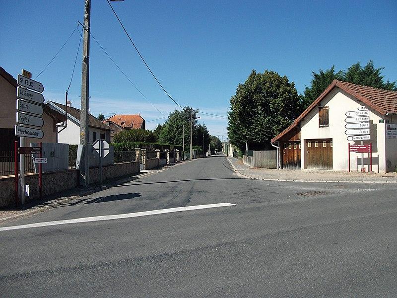 Departmental road 173 towards Saint-Félix, in Magnet, Allier [8876]