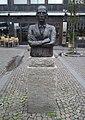 Dan Andersson-statyn på Järntorget i Göteborg, den 3 sept 2006.JPG