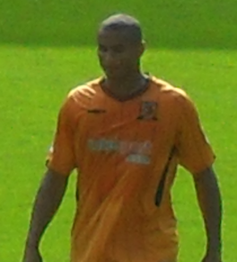 Daniel Cousin in shirt van Hull City