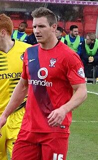 Dave Winfield (footballer) English footballer