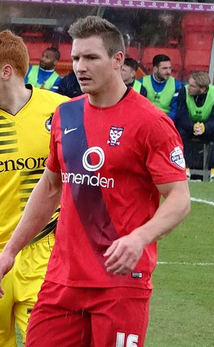 Dave Winfield (footballer) - Winfield playing for York City in 2016