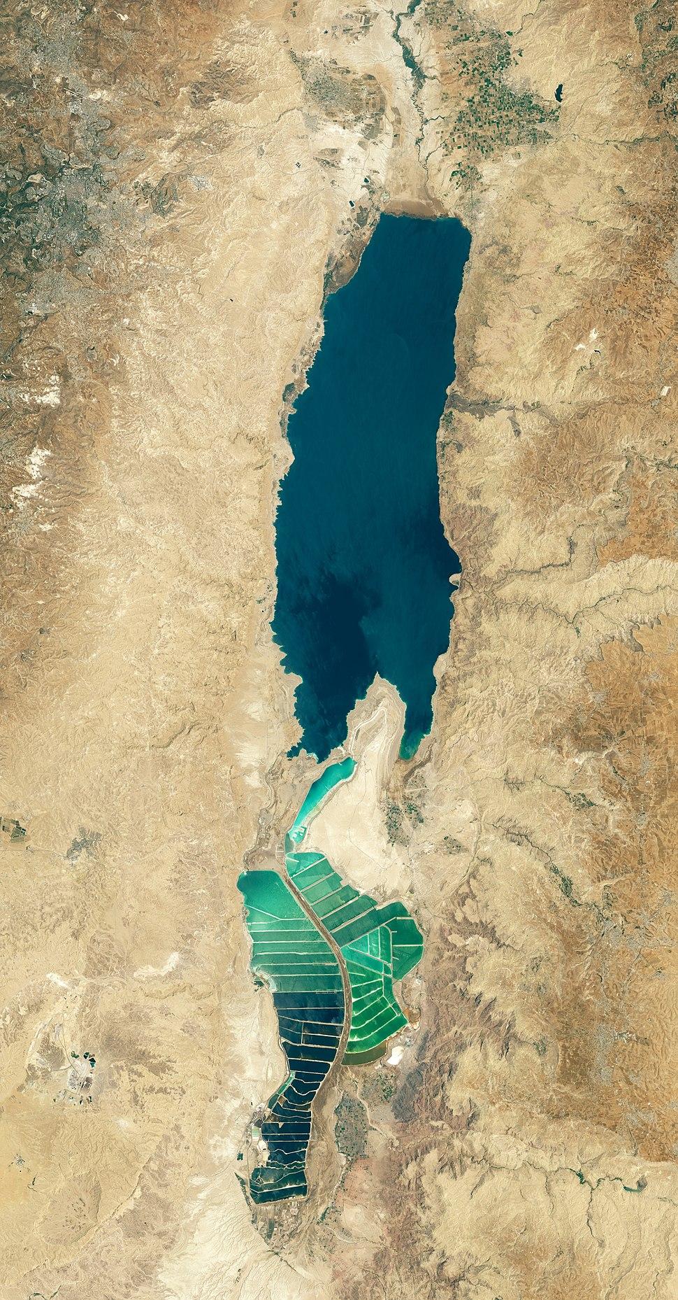 A Holt-tenger az űrből