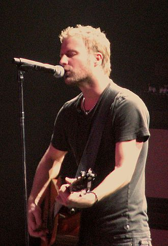 Dierks Bentley - Bentley performing in Saginaw, Michigan, March 31, 2007