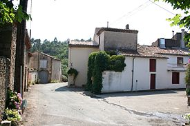 Donnadieu-Place-01.jpg