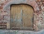 Door at Rue du Porche in Clairvaux-d'Aveyron 04.jpg