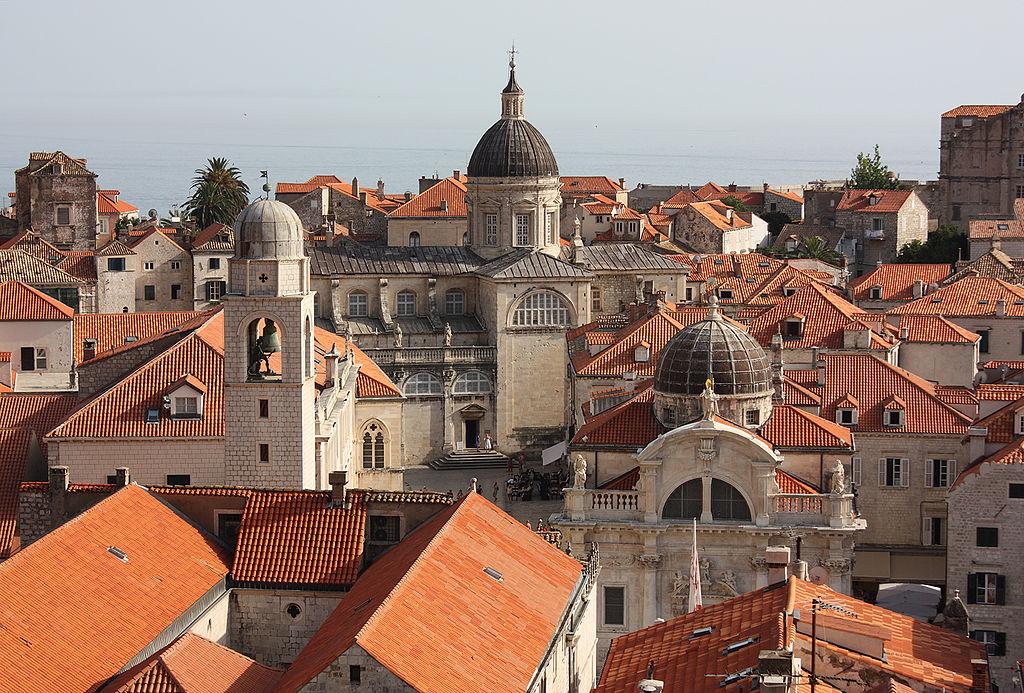Разномастные крыши Дубровника