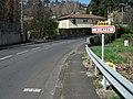 Durtol entrée depuis Clermont-F 2015-04-10.JPG