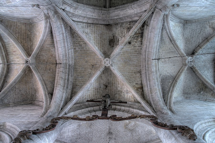 Crossing vaults of the church of Éclaron.