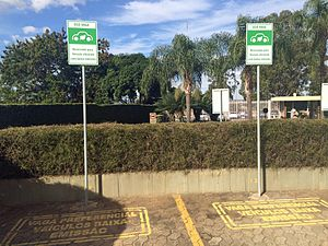 Electric car use by country - Eco Vagas: parking spaces reserved for low emissions vehicles in Brasília.