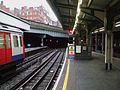 Edgware Road stn (Circle) platform 3 look east2.JPG